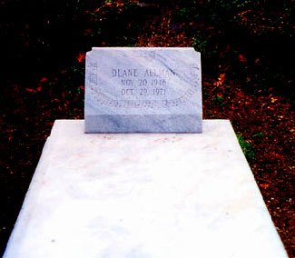 Rose Hill Cemetery - Macon GA - Mike Piazza - October 2003.